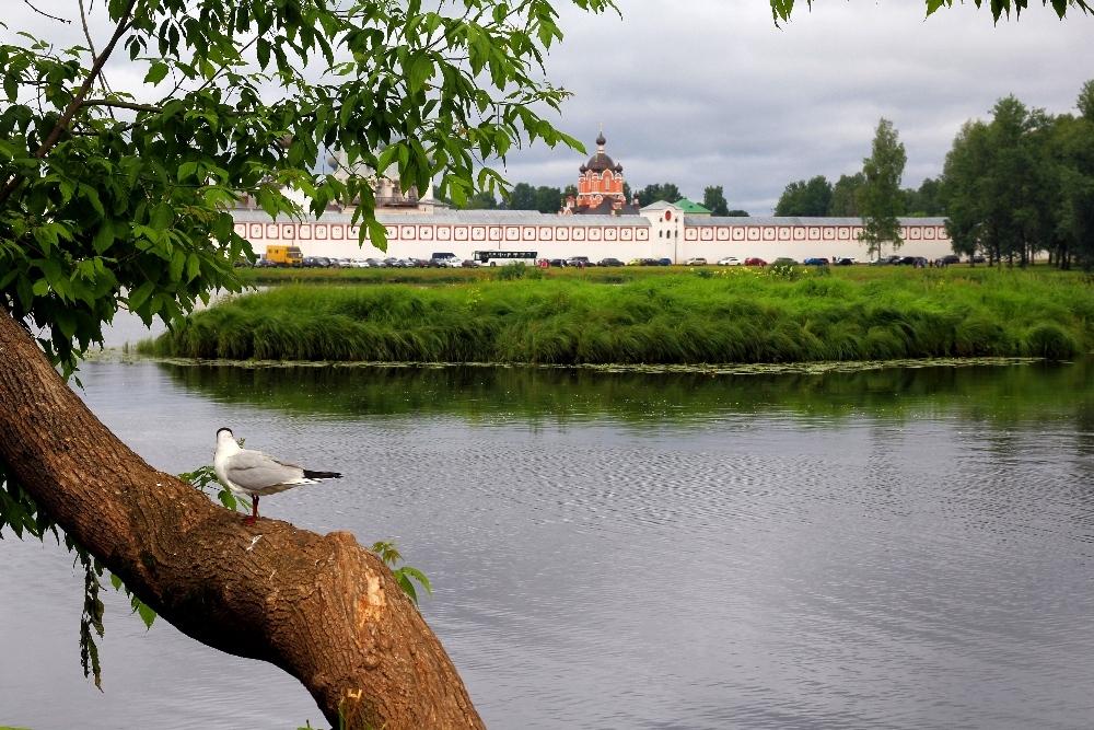 Тихвинский Успенский монастырь